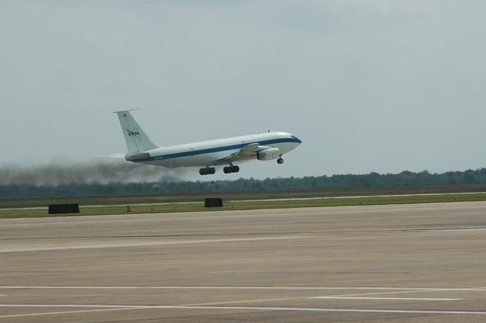 0008 C135 VC Takeoff