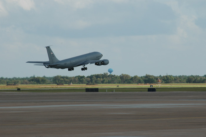 0017 USAF KC135 taking off