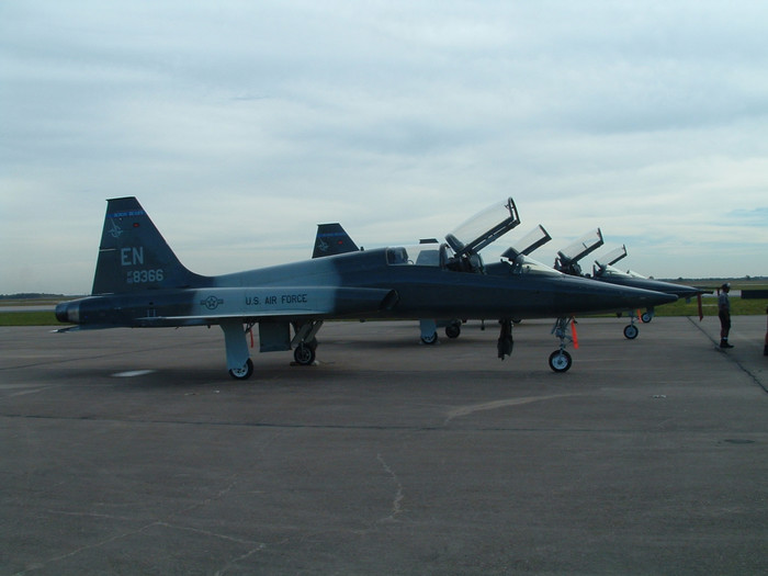 0411AVE_T38airForce3